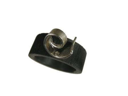 Akryl silver ring svart