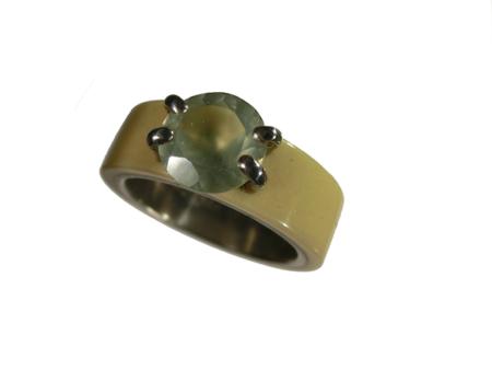 Ring silver akryl infattad phrenite